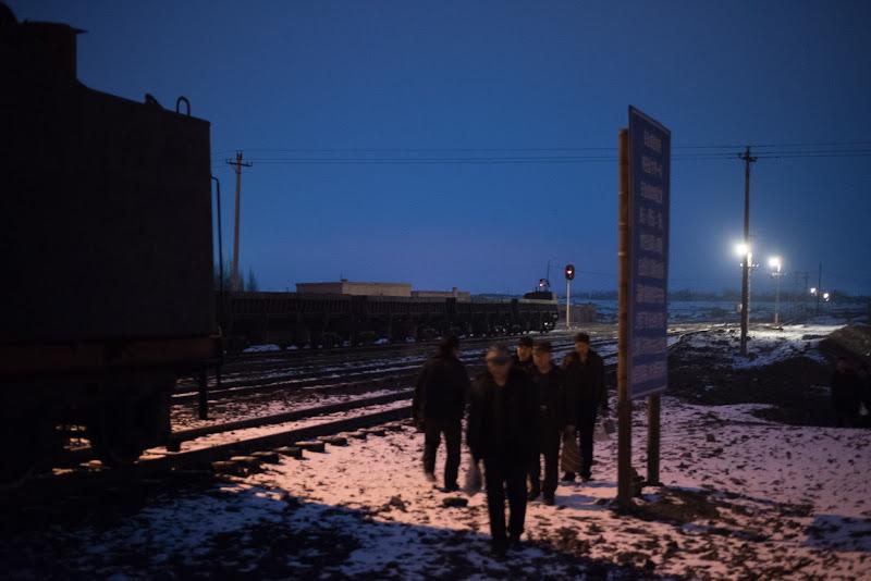 170101 通勤列車に集まってきた労働者