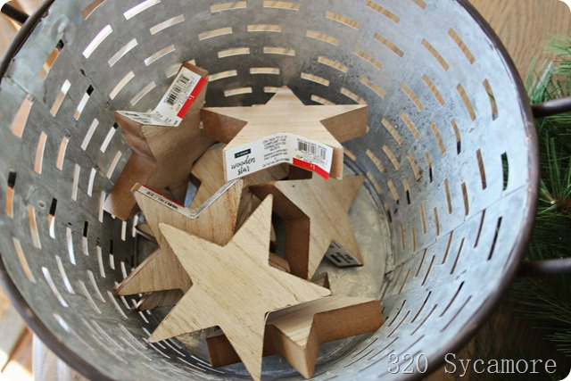 wooden stars at dollar spot