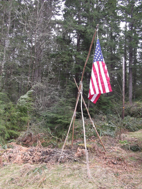 Another useful camp gadget lashed....a Flag Pole!