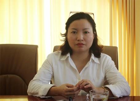 Ba Nghiem Hong Hanh trao doi voi PV Dan tri