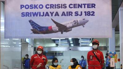 PMI Kota Tangerang Bantu Posko Crisis Center SJ 182