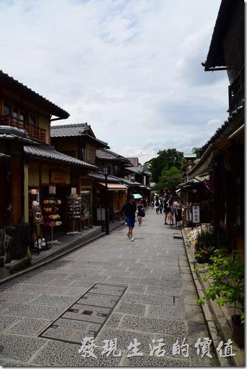 日本清水寺二年坂。