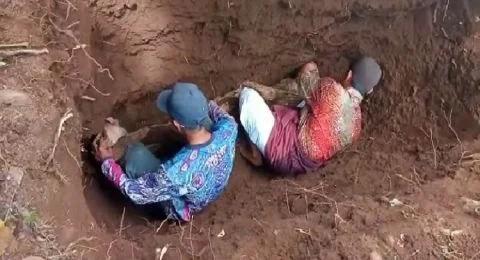 Subhanallah! Terkubur 30 Tahun, Jasad Soewardi Utuh, Kain Kafan Tak Rusak