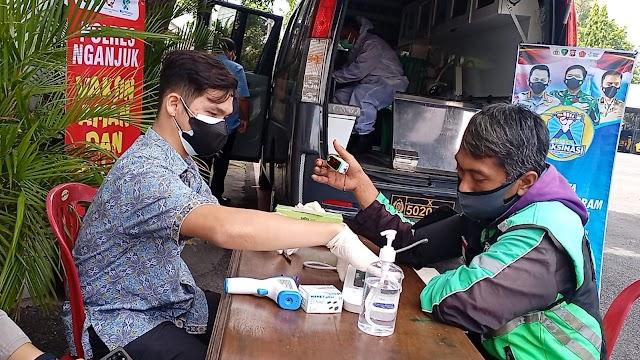 Gerai Vaksin Presisi Polres Nganjuk Diserbu Driver Ojek