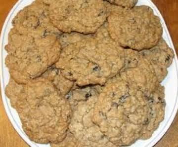 Moms Oatmeal Raisin Cookies