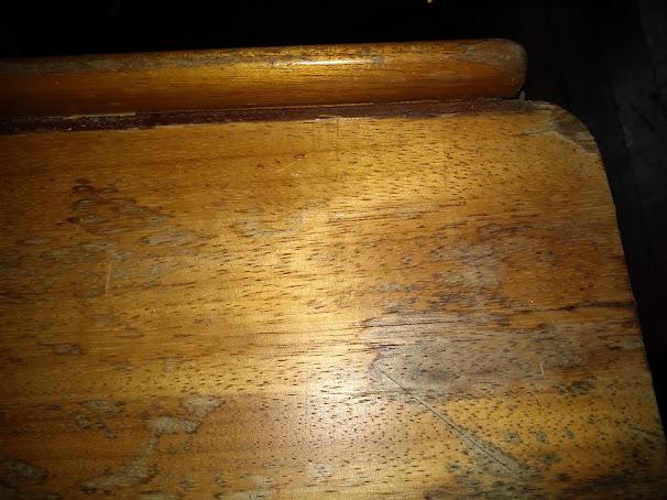 Détail bordure Table Edel 665
