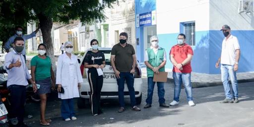 Prefeitura de Cuitegi (PB) orienta feirantes e população sobre uso da máscara e distanciamento social
