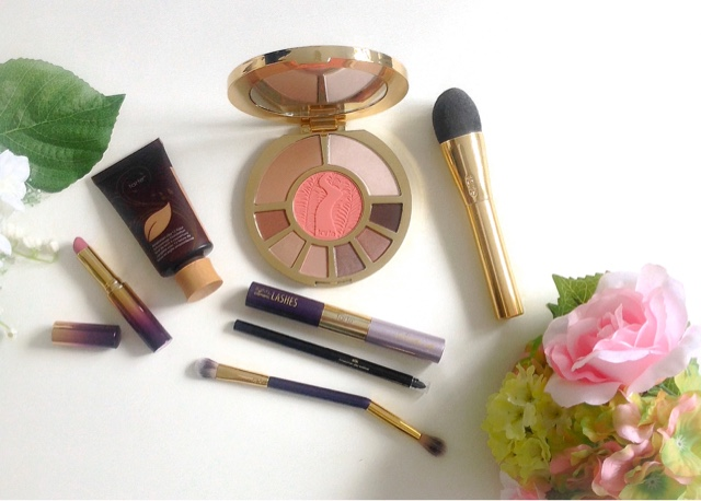 Tarte Collection Including: Showstopper Palette, Amazonian Clay Foundation