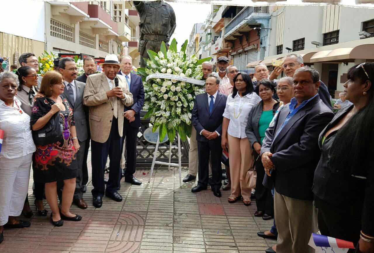 Ante busto Coronel Francisco Alberto Caamaño: PRD exhorta preservar legado Revolución Abril 65 en futuras generaciones