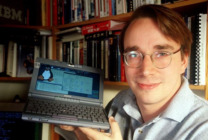 Vào đúng ngày này 24 năm trước, Linus Torvalds đã tuyên bố ra mắt hệ điều hành Linux, mảnh ghép cuối cùng của dự án mã nguồn mở đầy tham vọng GNU.