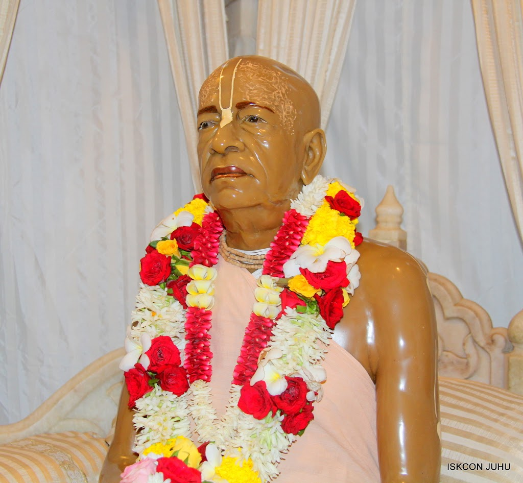 ISKCON Juhu Sringar Deity Darshan on 2nd July 2016 (43)