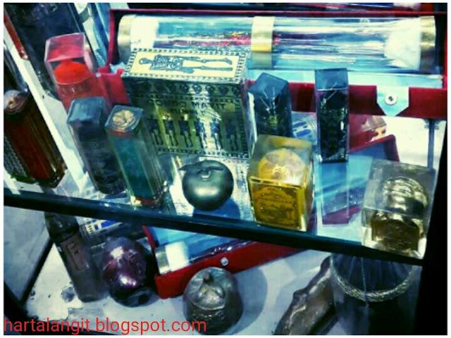 gambar minyak dan bukhur untuk sarana ritual