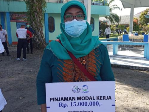 Lili Suryani Terharu dan Senang Mendapatkan Bantuan Pinjaman Modal Kerja dari Pak Menteri Trenggono