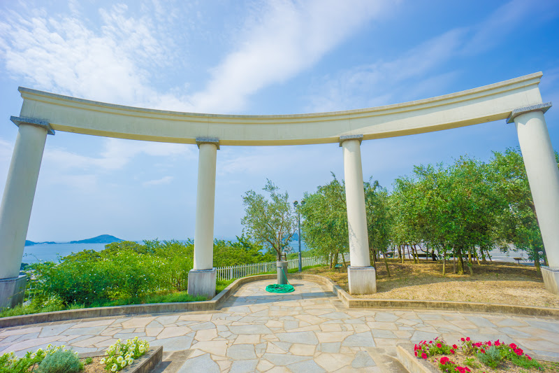 Shodoshima Olive Park, An open space with beautiful chalky construction products 2