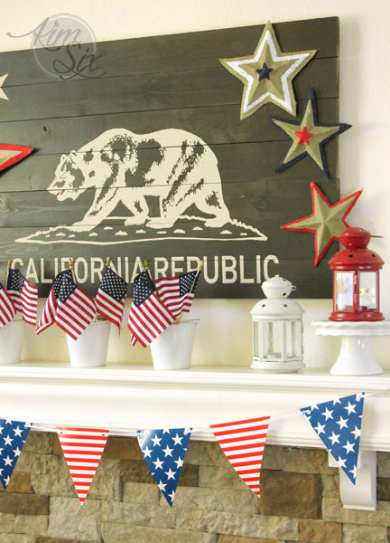 California 4th of July Mantel