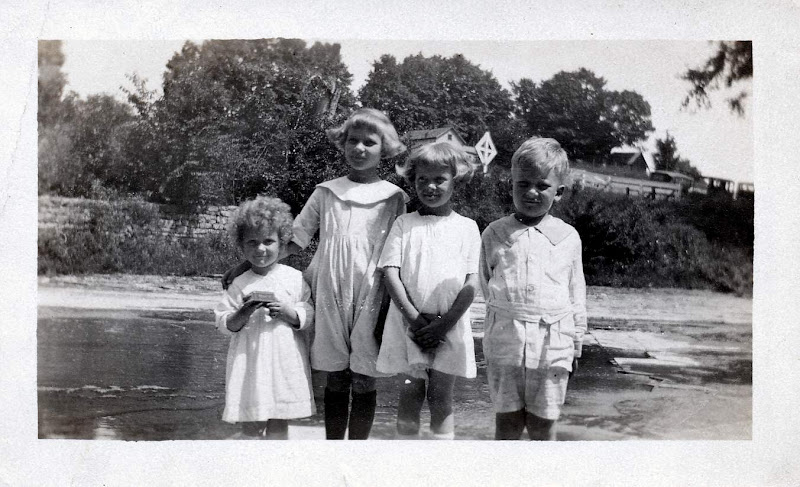 Ruth, Dorothy, Anne and Bob Boekman
