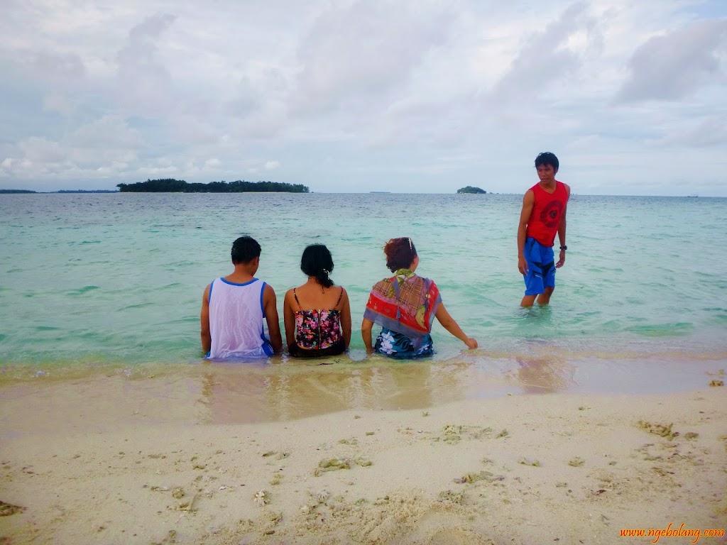 ngebolang-pulau-harapan-16-17-nov-2013-wa-28