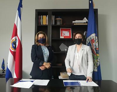 Milagro Martinez, representante OEA y Paola Vega, ministra MICITT