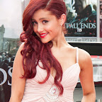ariana-grande-long-curly-funky-red.jpg