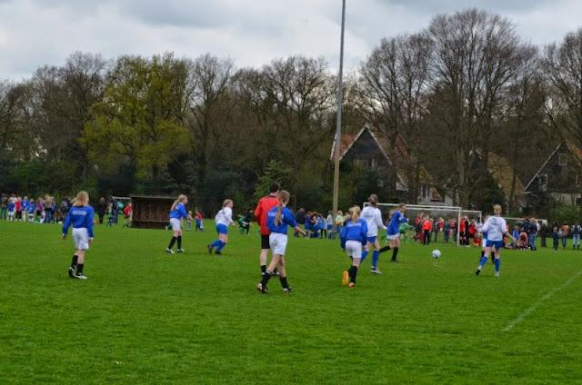 voorrondes schoolvoetbal 9 april 2014 - DSC_0186%2B%255B800x600%255D.jpg