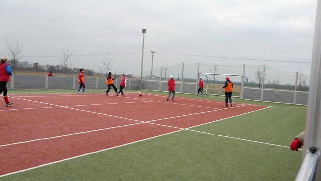 Priateľský futbalový zápas žien z JUHu a z Lábu - P1070323.JPG