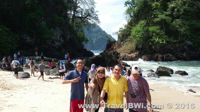 Paket Tour Wisata Banyuwangi Travel BWi - Teluk Hijau Green Bay - B Endang DKK