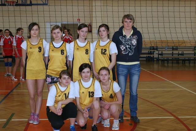 Zawody siatkarskie dziewczat 1 marca 2011 - DSC09363_1.JPG