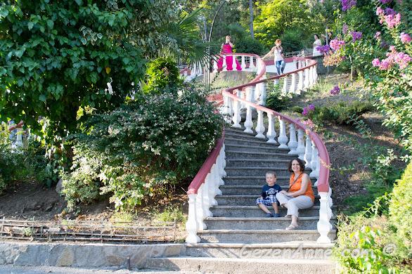 Aşıklar merdiveninde oğlumla hatıra fotoğrafı, Yalova Termal