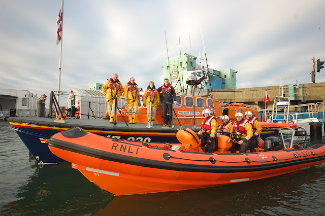 8 January 2012: Poole inshore and all-weather lifeboat crews about to embark on their first training exercise of 2012. Photo: Dave Riley