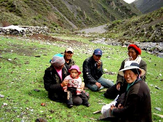 79045617_3365178_tibet_semya6