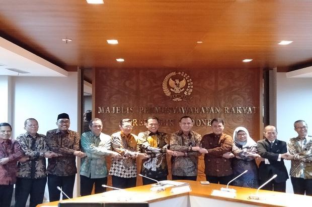 Foto Bergandengan Ketua KPK Firli Bahuri dan Ahmad Basarah PDIP, Fadel: Ada Apa Ini