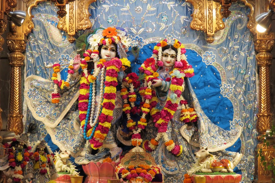 ISKCON Vallabh vidhyanagar Deity Darshan 18 jan 2017 (1)