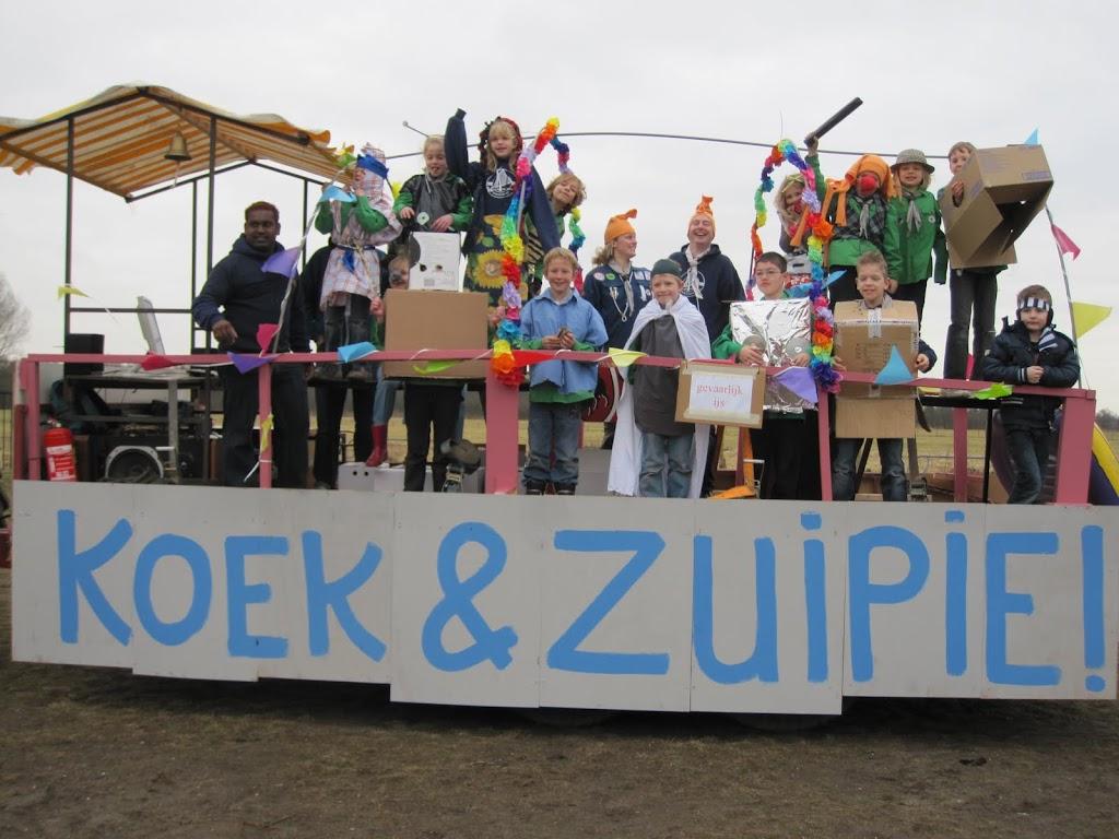 Welpen - Knutselen carnaval - IMG_5385.JPG