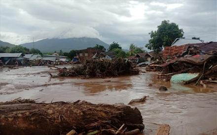 Μελέτη : Κίνδυνος για πλημμύρες, κατολισθήσεις και λασπορροές σε Σχίνο και Αλεποχώρι ύστερα από την πυρκαγιά στα Γεράνεια Όρη