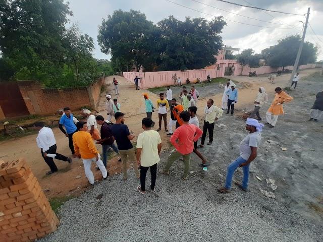 21 सूत्रीय मांगों को लेकर शिक्षक संघ का रानीपुर में धरना