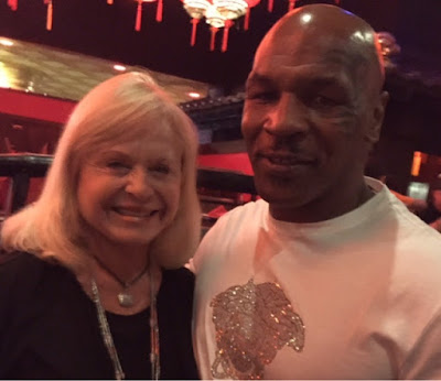 Apalachicola resident meets former heavyweight champion of the world