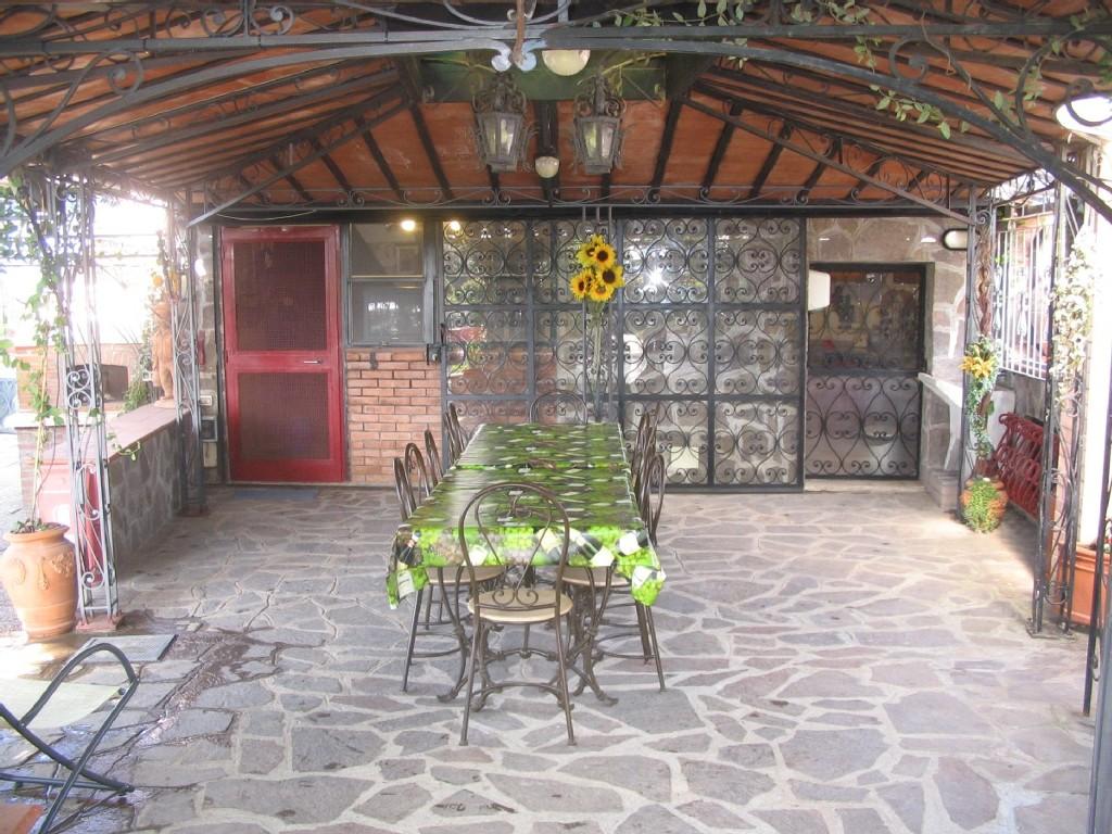 Iveta Sunshaded uliveta del luschi in castiglioncello, tuscany - vacavilla