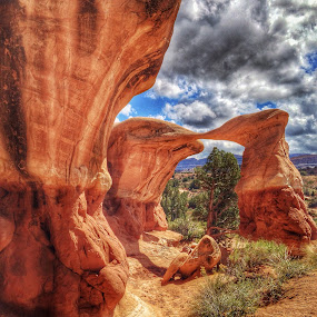 by Becca McKinnon - Instagram & Mobile iPhone ( desert, arch, devil's garden, excalante, mano arch, utah, metate arch, red rock, hold in the rock road, rocks,  )