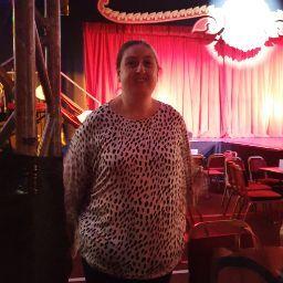 user Amber Studholme apkdeer profile image