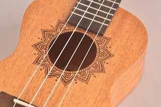 đàn ukulele laki
