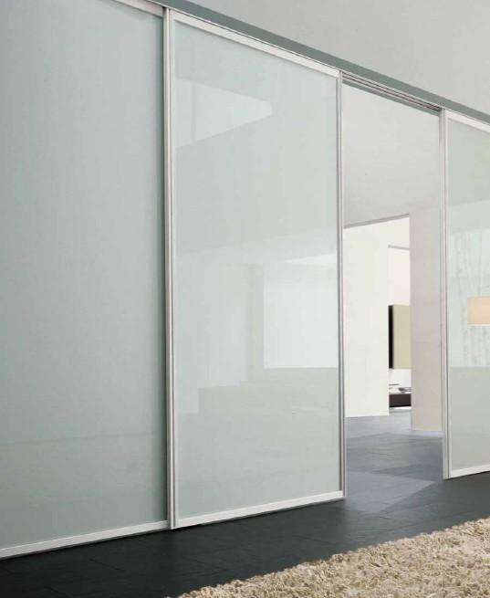 Soggiorni e salotti moderni arredo per la tua casa for Porte per dividere ambienti