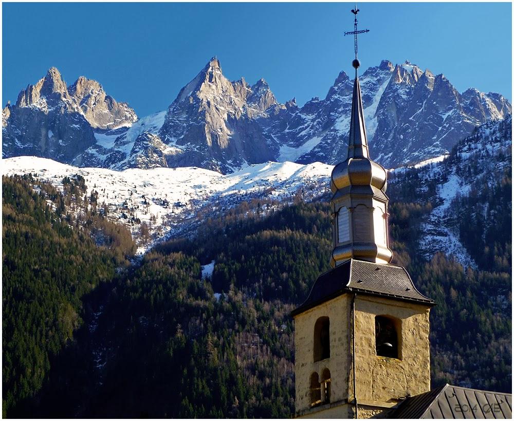 Complètement et trop extrême testclod: Les Aiguilles Rouges et l'église de Chamonix @IB_42