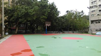 社區旁體育場