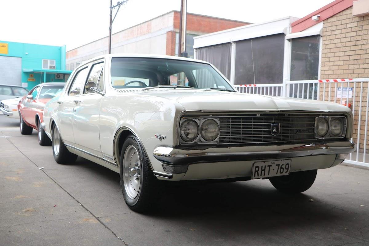 Holden Kingswood 02.jpg