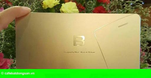 """Hình 1: Bphone của Bkav với chiêu """"mờ mờ nhân ảnh"""""""