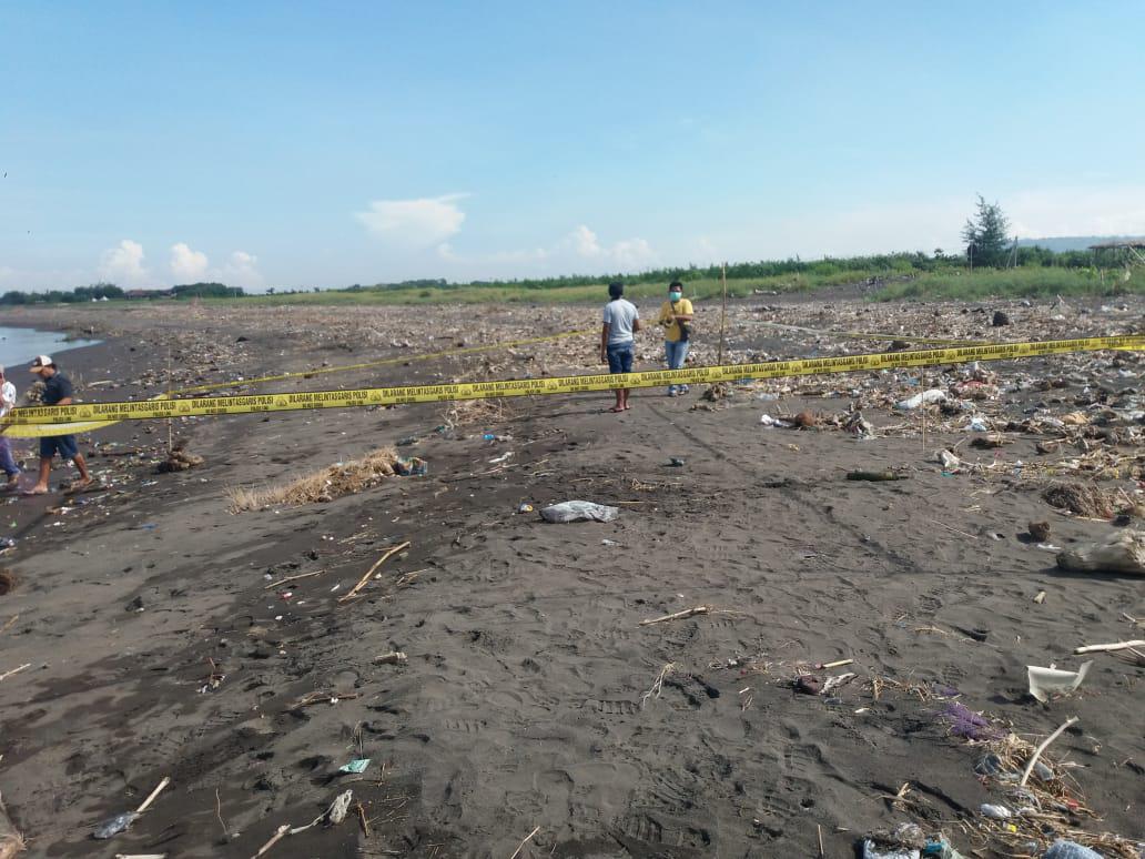 Mayat Diketemukan Tergeletak di Pantai Pancer