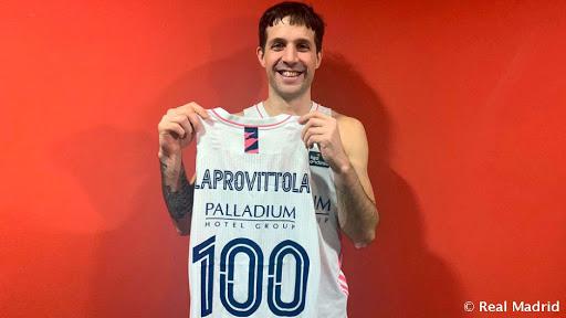 Laprovittola, 100 partidos de blanco .