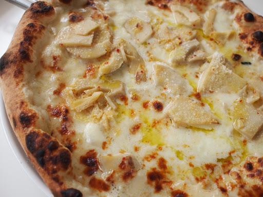 [写真]筍とゴルゴンゾーラのピザ