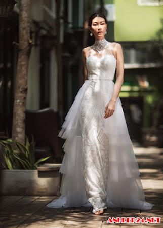 Ngọc Thúy Next Top diện váy dạ hội đọ dáng với mẫu Tây