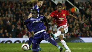 NIGERIAN MANCHESTER UNITED FANS ELECTROCUTED WATCHING MATCH